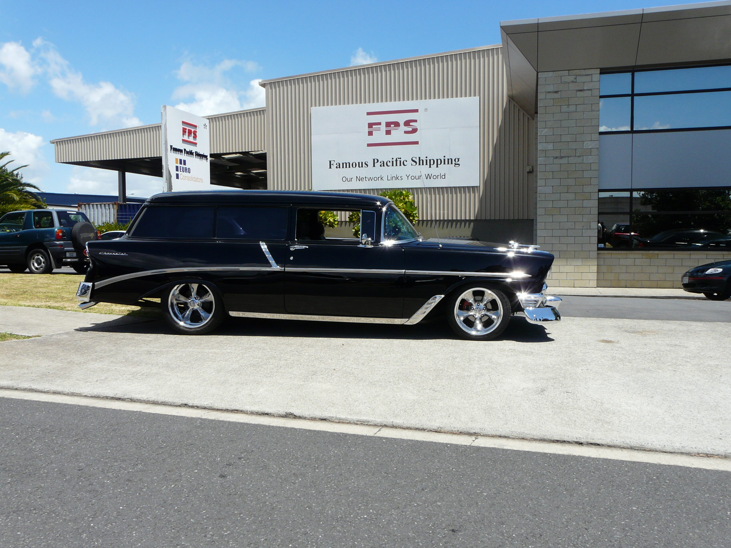 classic car shipping to New Zealand photo